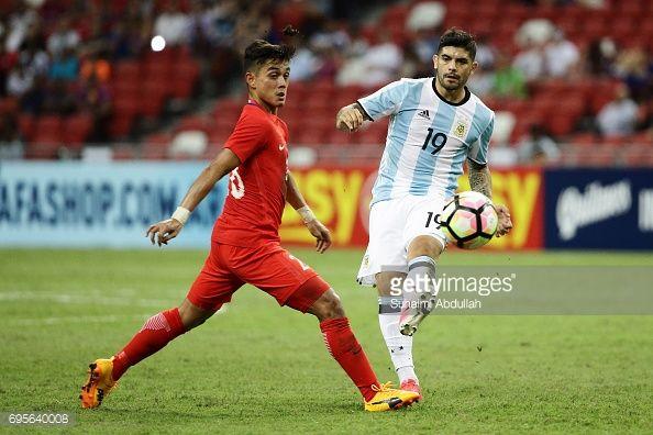 Ever Banega en el Singapur 0 - Argentina 6