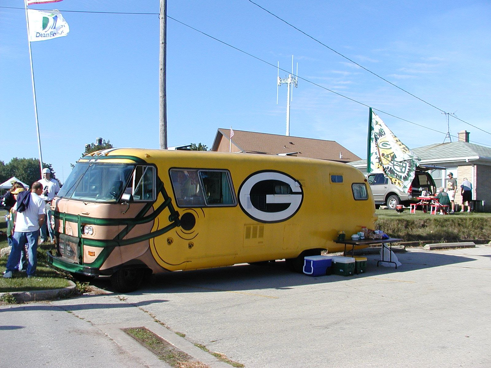 Love This Vehicle My Dream Rv Tailgating Vehicles Go Packers Vehicles