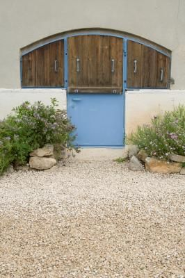 How To Change Your Front Garden From Grass To Gravel Gravel Patio Front Garden Pea Gravel Patio