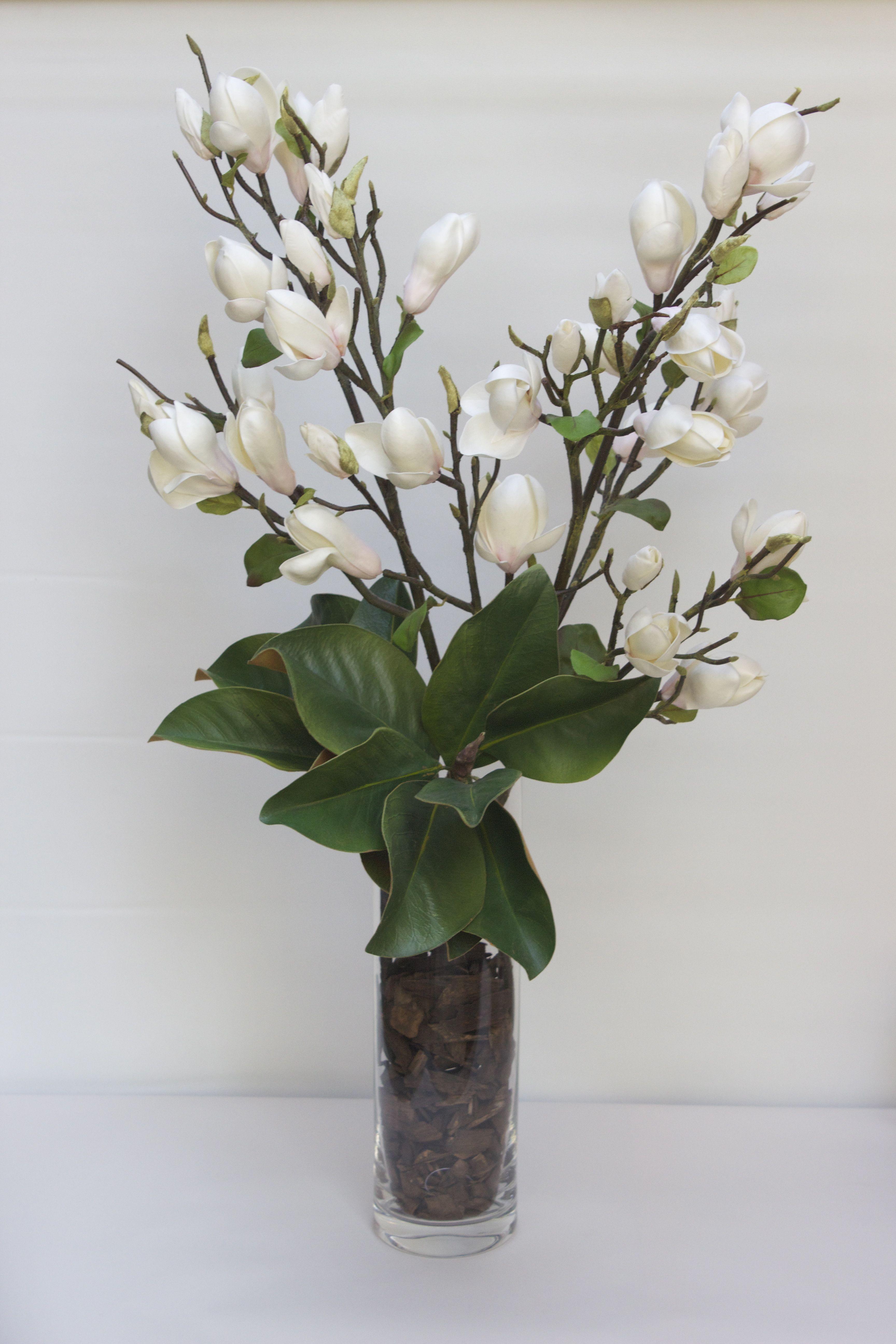 Arreglo de magnolio artificial