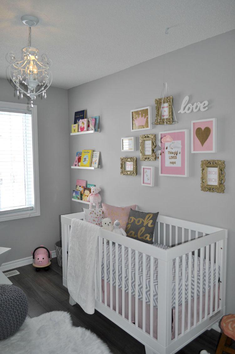 Babyzimmer Grau Rosa Weiss Bilderwand Goldene Akzente Babyzimmer