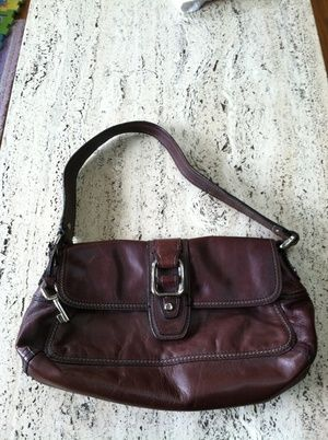 Leather Fossil purse in Mountlake Terrace, WA (sells for $25)
