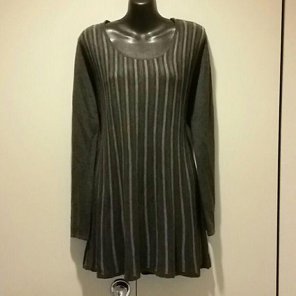 Short sweater dress Short sweater dress Daisy Fuentes Dresses