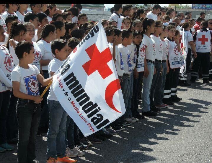 Dan banderazo de salida a 11 nuevas ambulancias en Día Internacional de la Cruz Roja | El Puntero