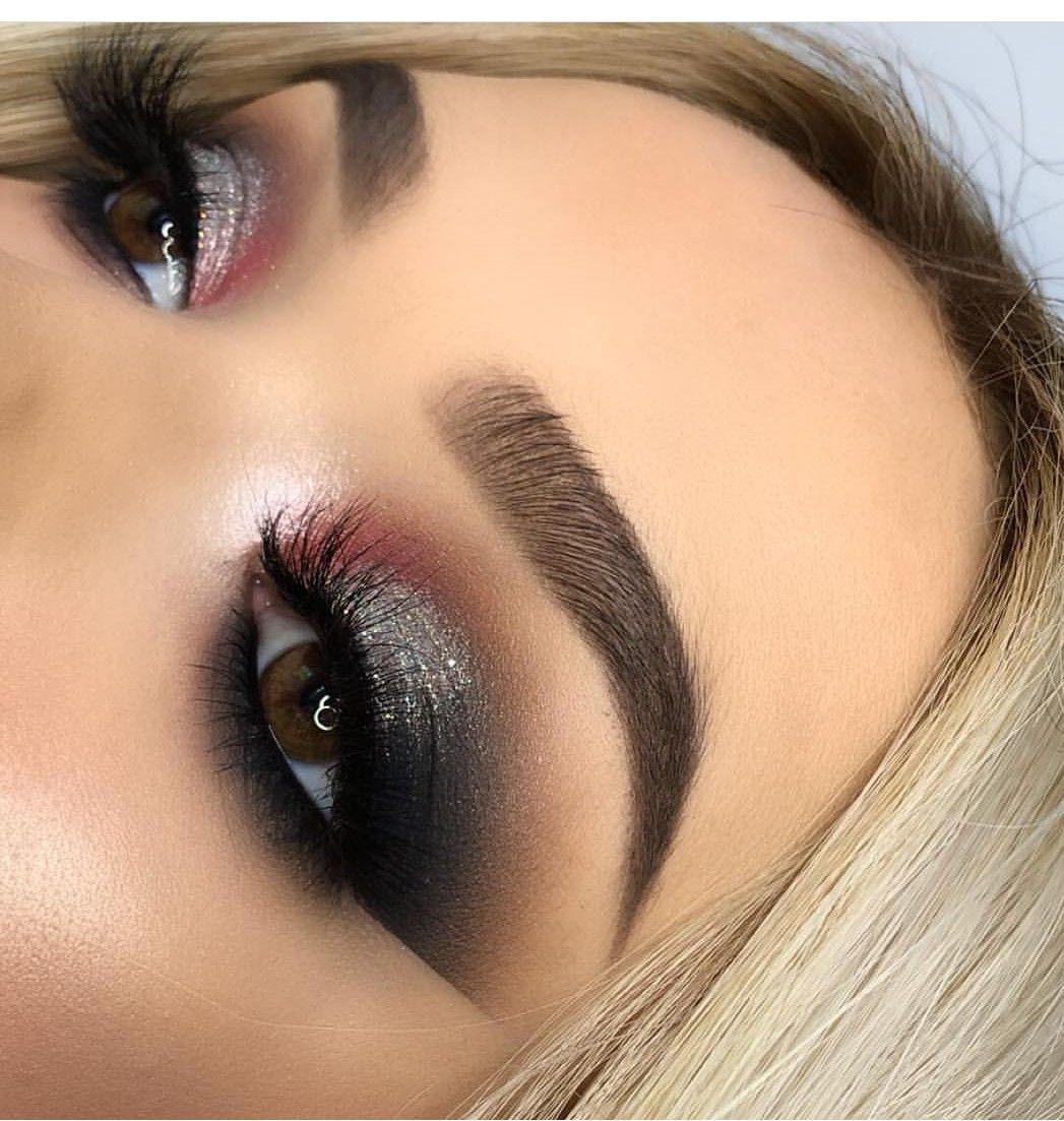Pin De Whitley Langford En Make Me Up Maquillaje Para Ojos Cafes Maquillaje Ojos Azules Maquillaje Plateado