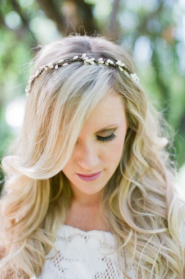 hair down with a headband - photo by Joleen Willis http ...