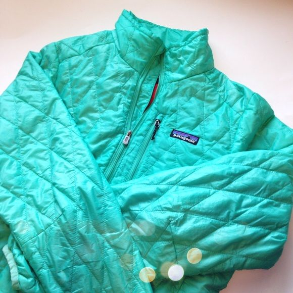 Patagonia Sea Foam Quilted Coat Super cute and perfect for the cold! Like new, only worn a few times. No trades!! 10201525def Patagonia Jackets & Coats Puffers