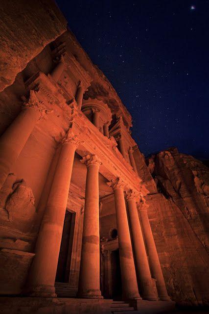 Petra, Jordan by Night   (10 Beautiful Photos)