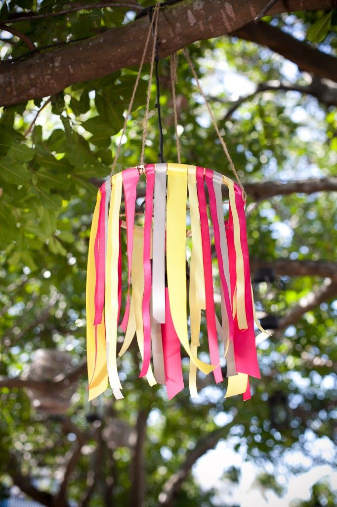 Ribbon chandelier- sweet.. This would be fun in a girls room and is easy to change out when their favorite color changes (like every year)!