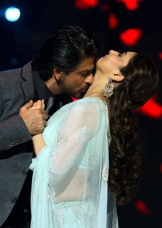 Kissing Scene Of Madhuri Dixit