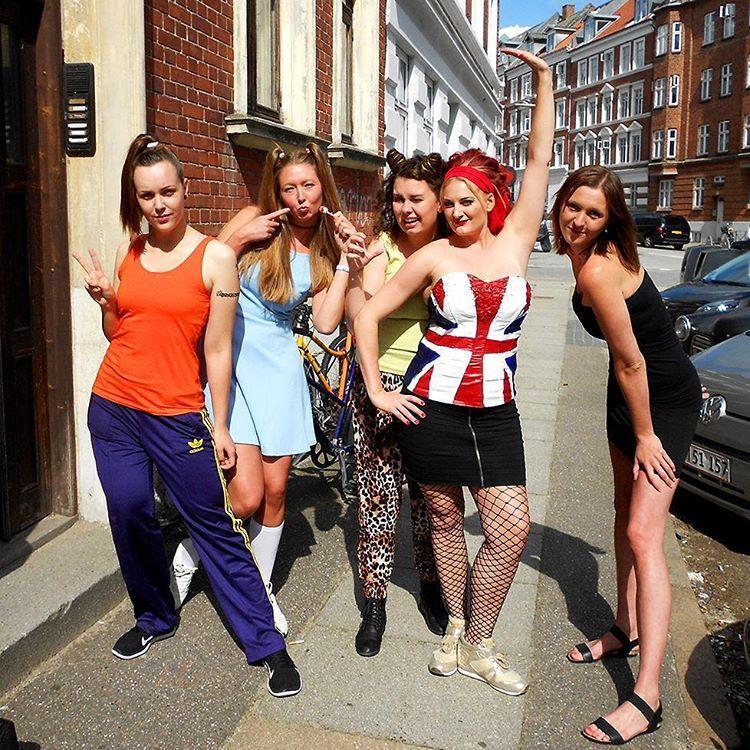 90s Girl Halloween Costumes | POPSUGAR Love & Sex | Halloween ...