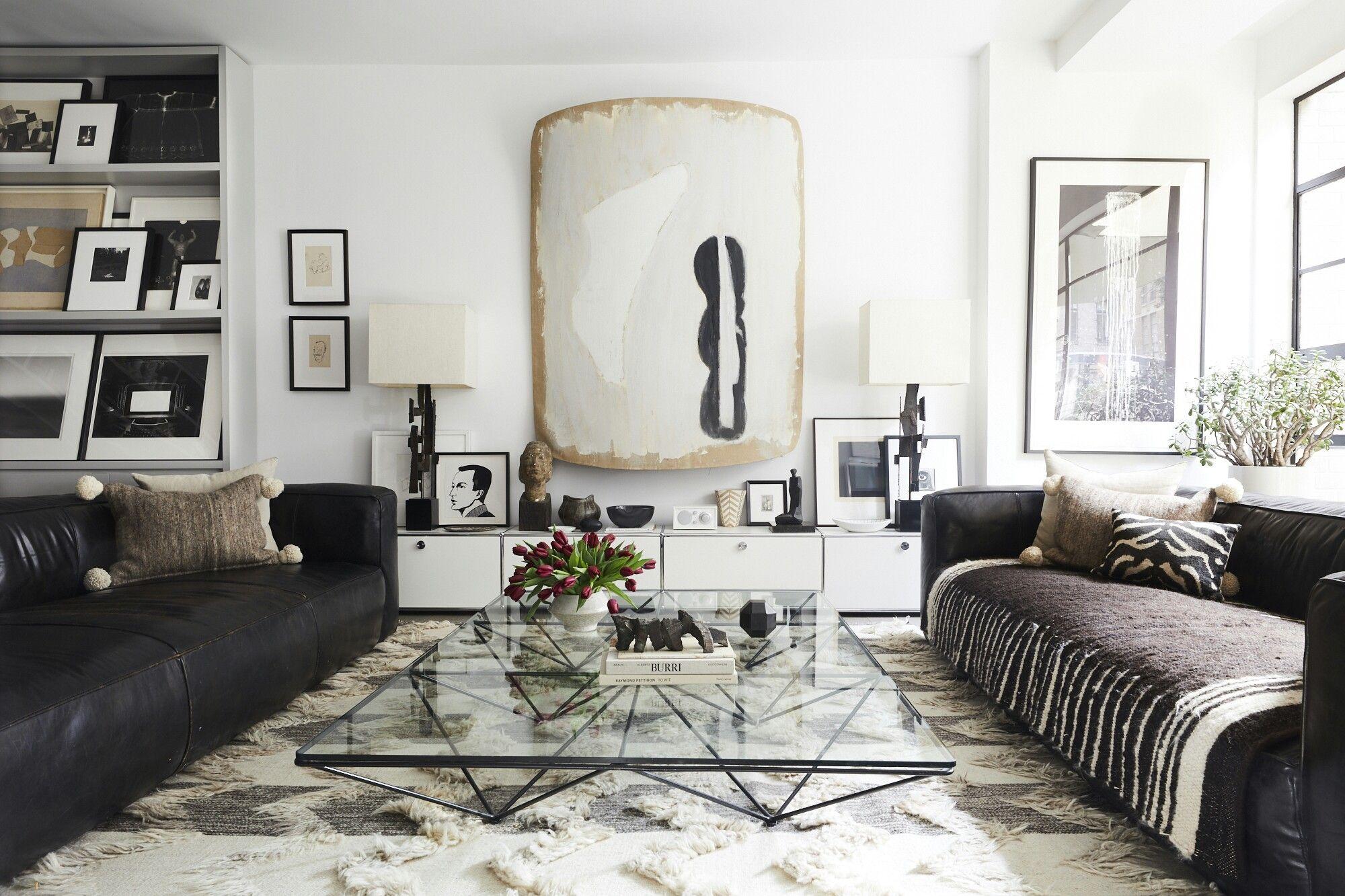 Pin By Theninahbee On Va Va Voom Vignettes Living Room Trends Living Room Trends 2019 Living Room Colors