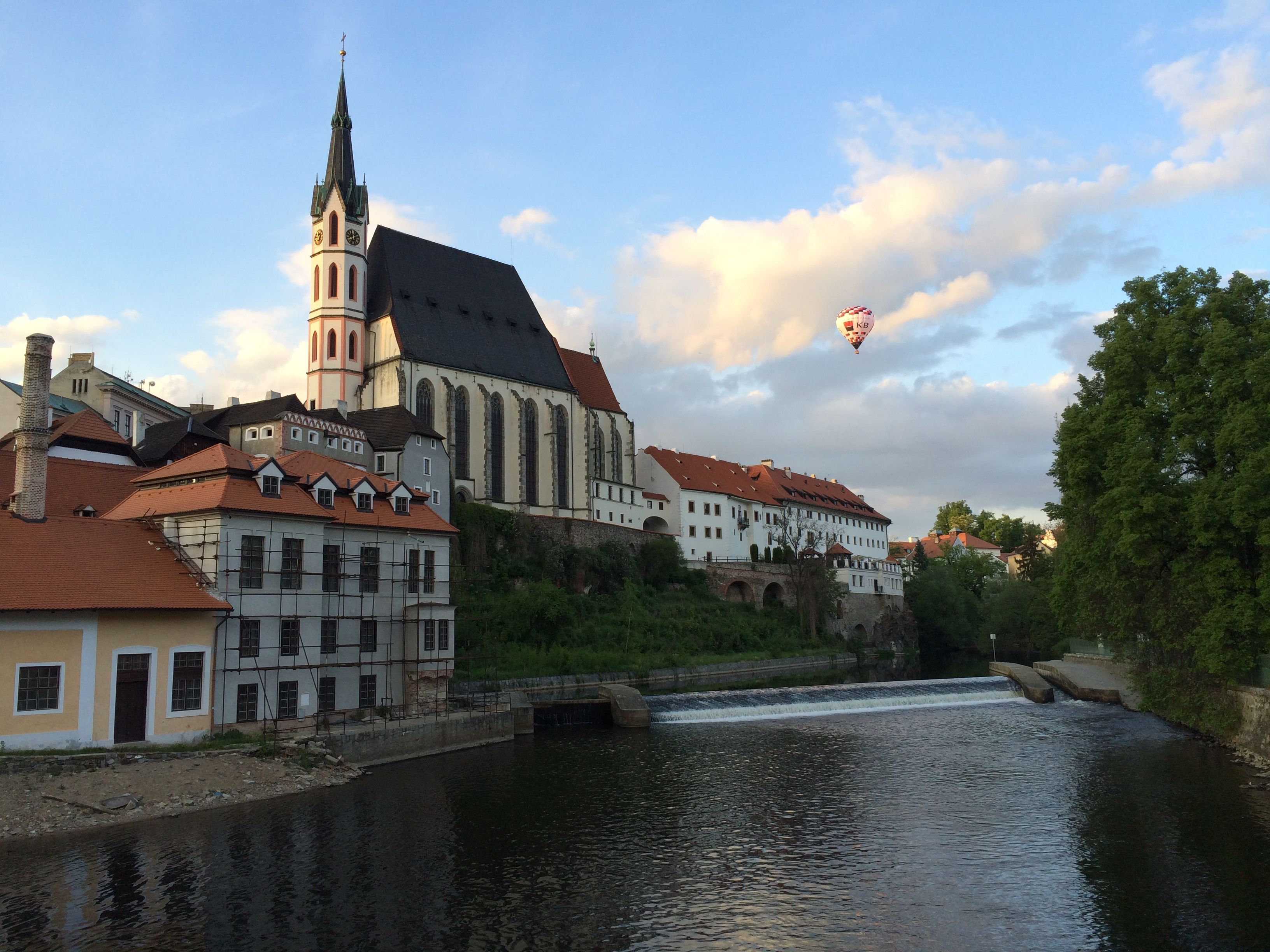 A Hot Air Balloon Floating By At Dusk In Cesky Krumlov House Styles Hot Air Mansions