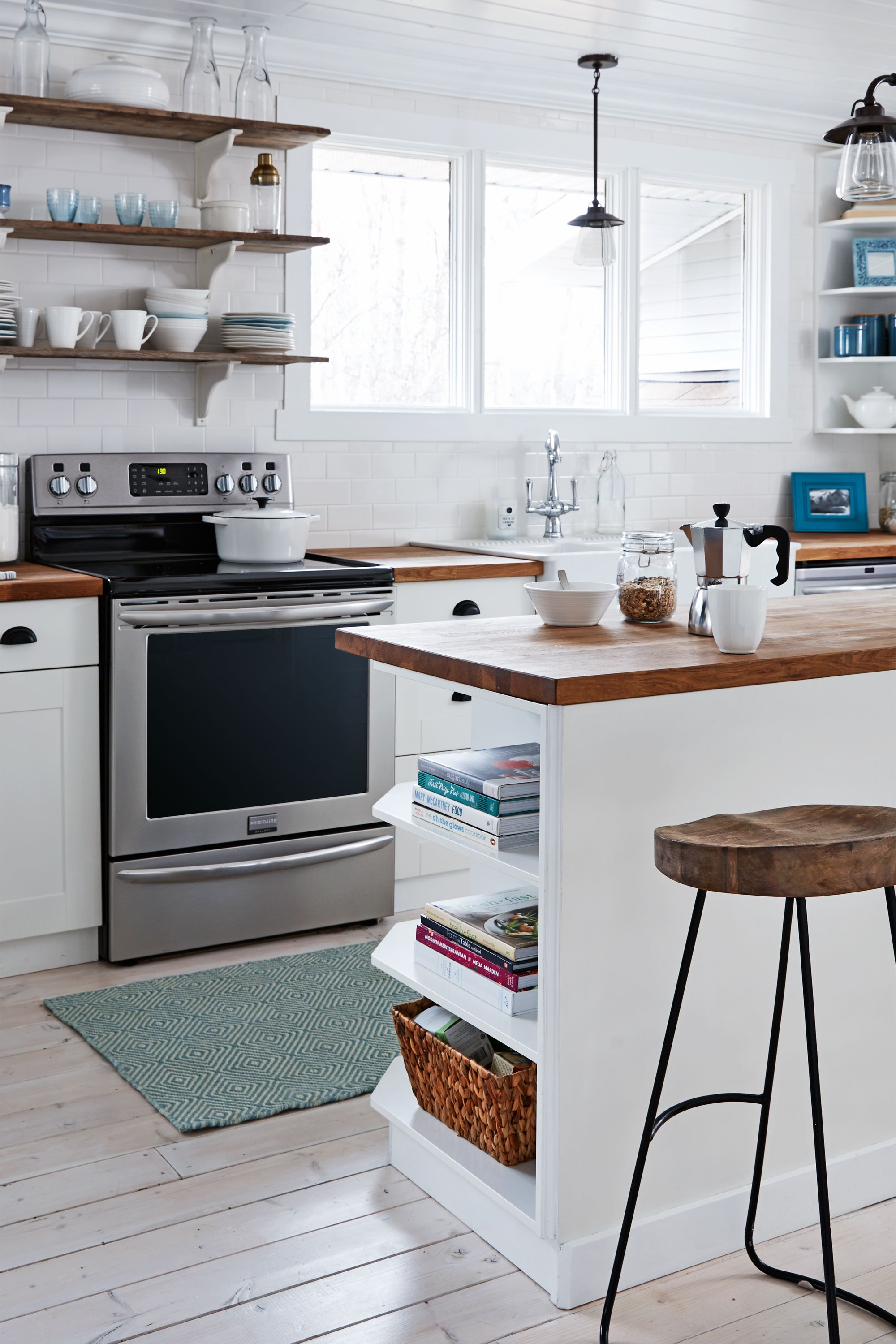 50+ Great Ideas for Kitchen Islands | Corner space, Spaces and Kitchens