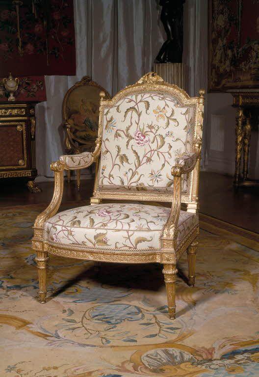 Jean baptiste claude sene paire de fauteuils la reine for Chambre louis xvi