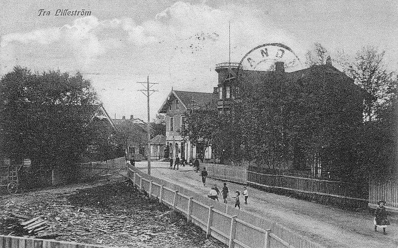 Akershus fylke Skedsmo kommune Lillestrøm Tårnhuset hj Solheimsgata og Voldgata brukt1912. Utg.: Oscar Johansens Cigar & Kartevarefor.