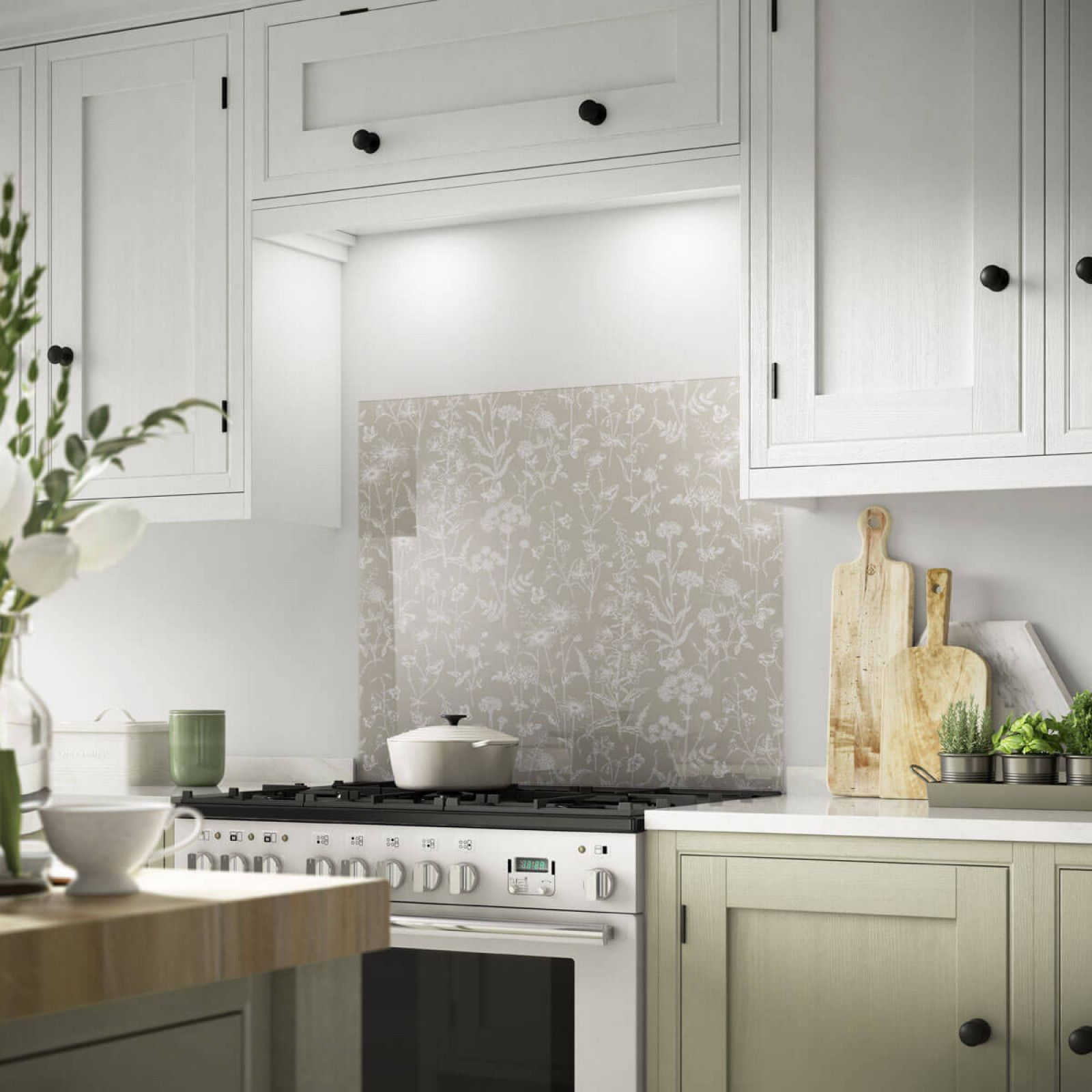 This beautiful 900x750mm Laura Ashley Splashback from the Statement Prints  range is made from toughened glass 227c51654