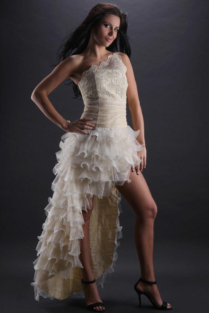 Kurze Brautkleider 20 Umwerfende Traumkleider Fur Die Modebewusste