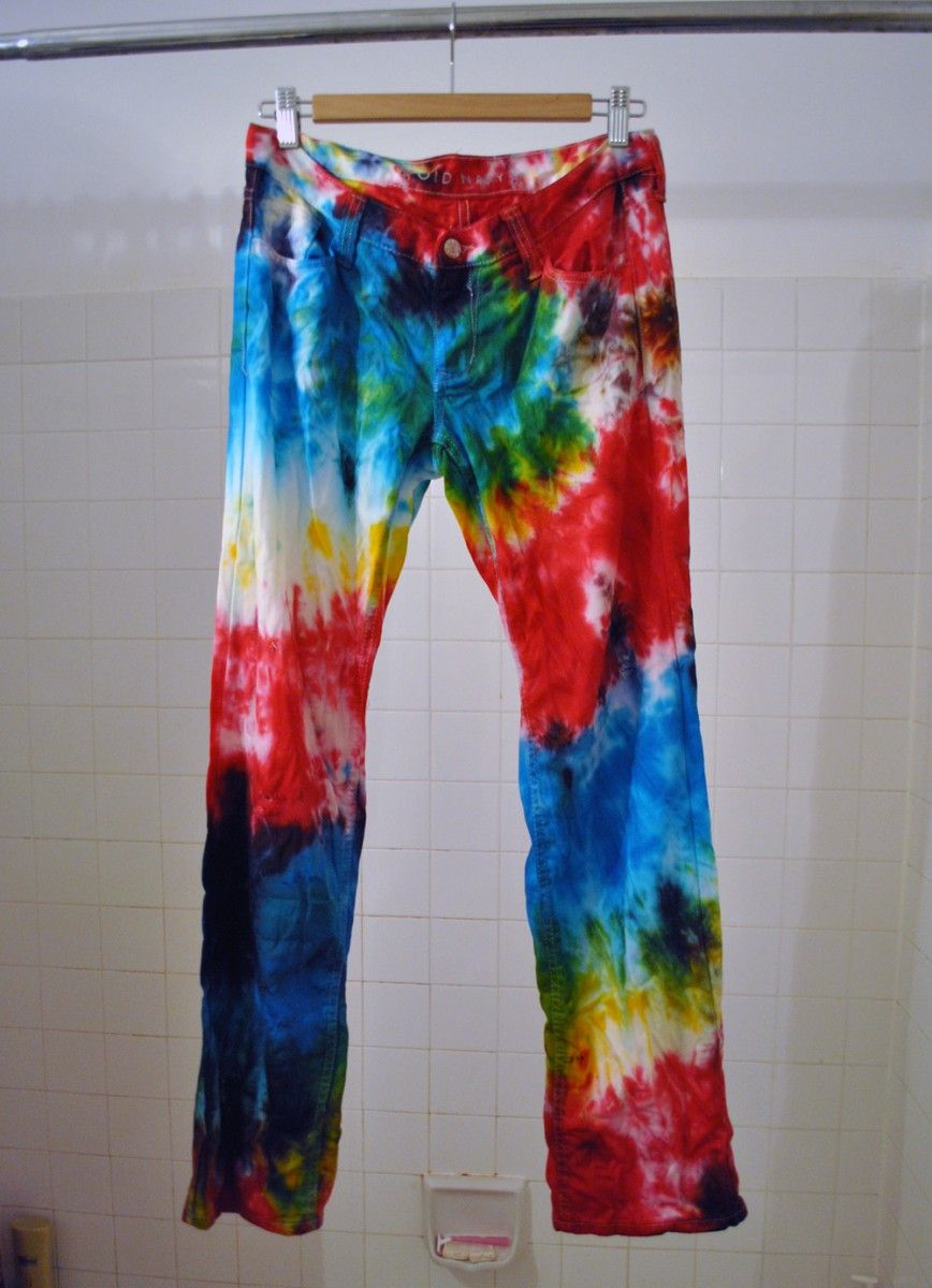 9e1e401402e6 How to Tie Dye Your Jeans in Eleven Easy Steps