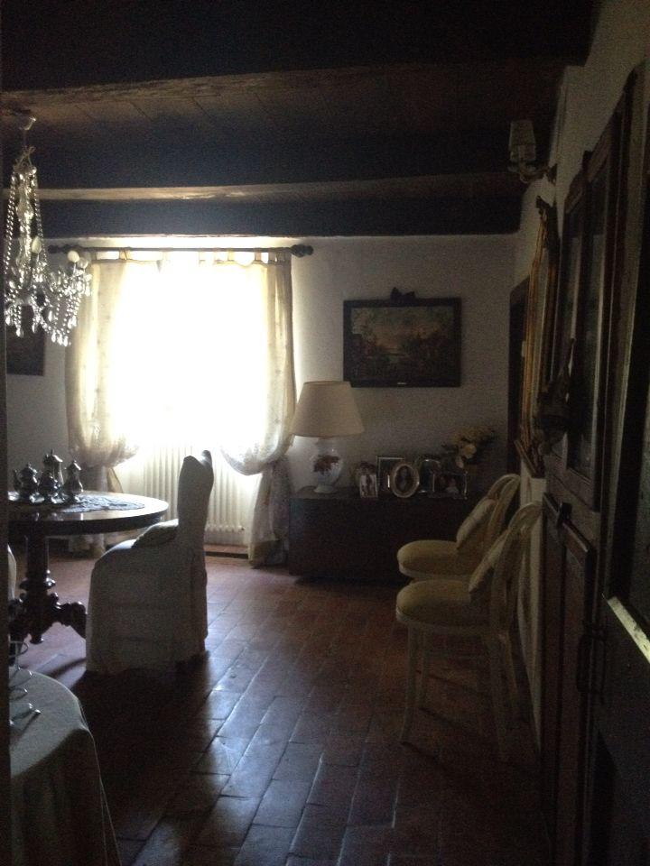 Il soggiorno principale visto dalla porta d'ingresso