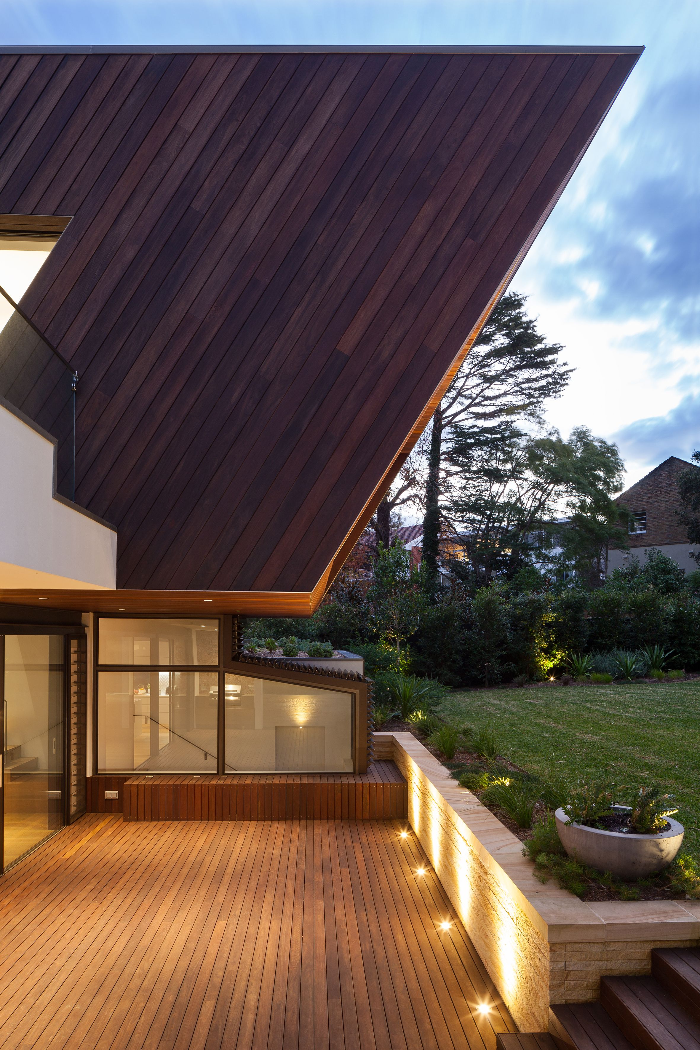 Photo of in top homes that use wood in interesting ways from