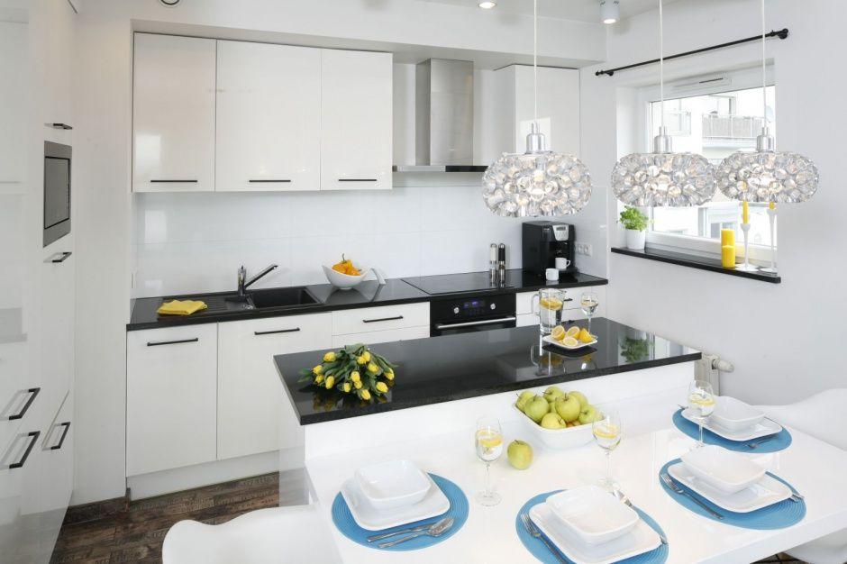 Znalezione Obrazy Dla Zapytania Biala Kuchnia Czarne Uchwyty Kitchen Home Decor Kitchen Cabinets