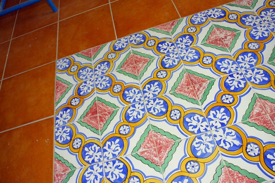 Piastrelle decorate a mano sicilia piastrella decoro zafferana