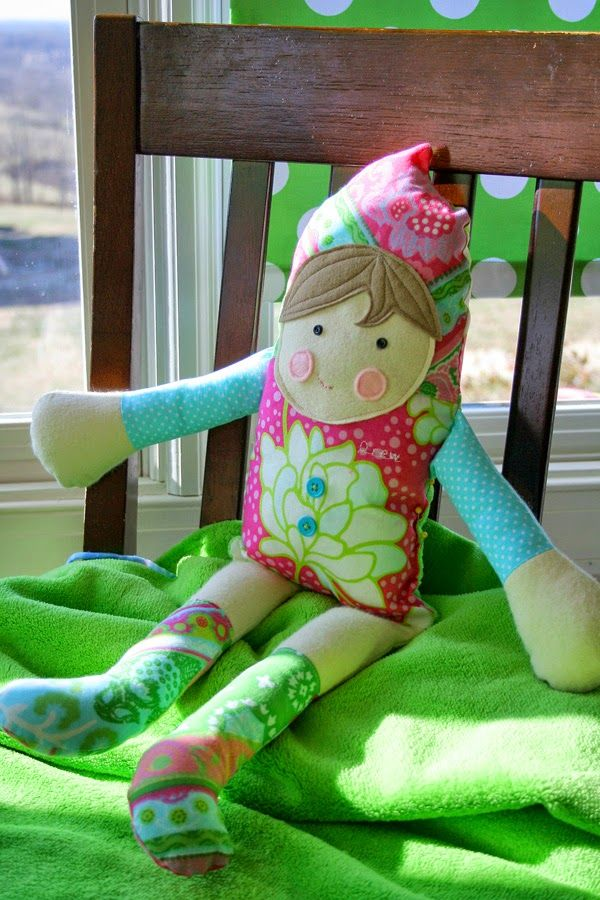 How To Tuesday...Make a Dollie {Christmas Gift}
