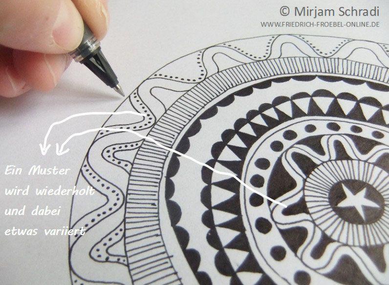 mandala malen ein muster wird wiederholt aber variiert. Black Bedroom Furniture Sets. Home Design Ideas