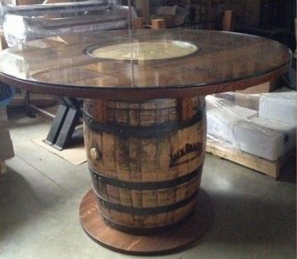 table tonneau tonneau de vin whiskey barrel table. Black Bedroom Furniture Sets. Home Design Ideas