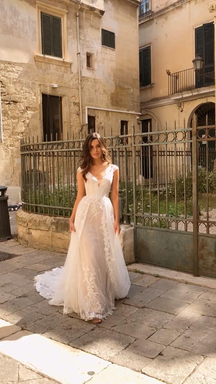 Madi Lane Bridal New Designer Bon Bon Belle Bridal Video In 2020 Wedding Dresses Wedding Dress Guide Wedding Dresses Lace