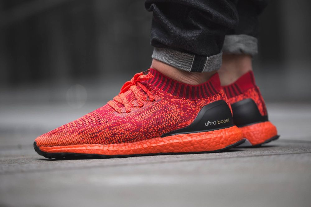 Adidas Ultra Boost Uncaged LTD PK Solar Red, Black White