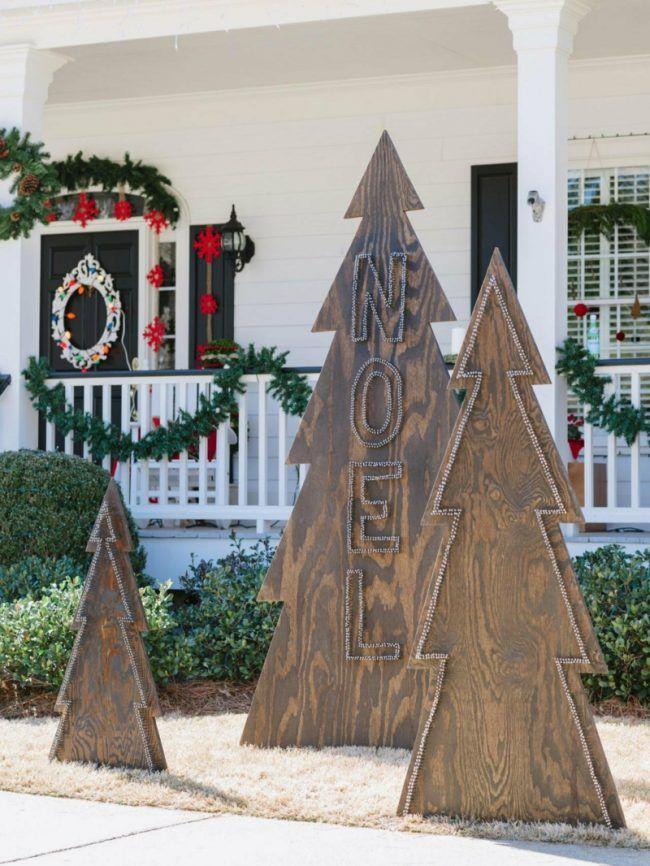 Weihnachtsdeko Für Geländer.Außendekoration Für Weihnachten Holz Tannen Lichterkette Garten