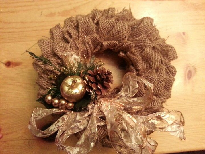 I just made these burlap wreaths for Christmas gifts, turned out better than I thought!