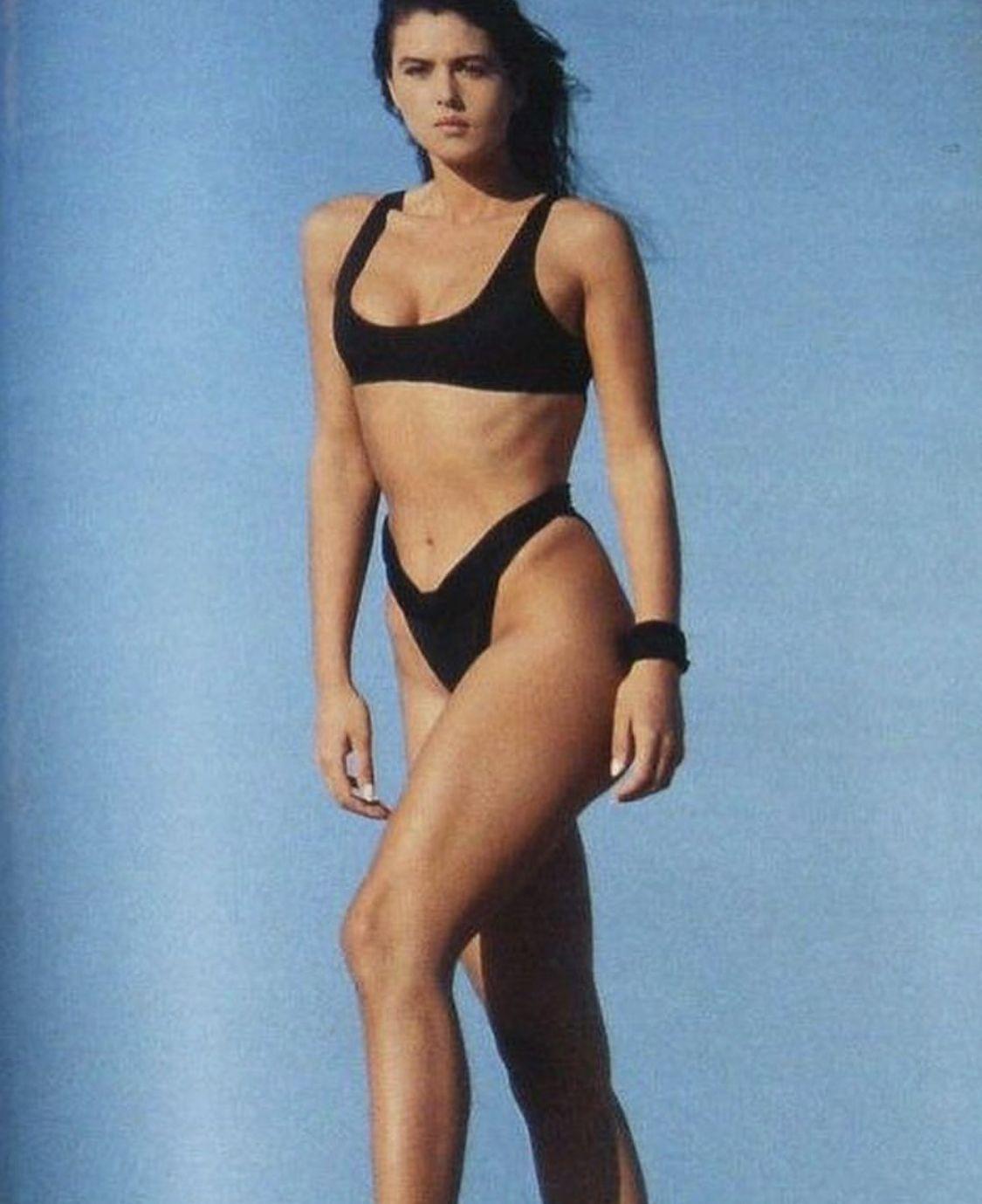 Mónica Bellucci 2103 | Monica bellucci bikini, Monica bellucci, Monica