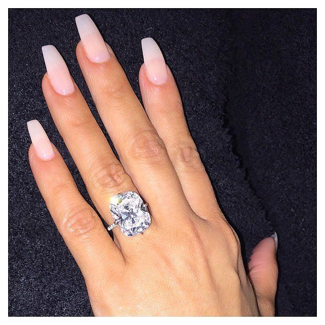 31 Real Girls Show Off Their Gorgeous Bridal Manicures | Engagement ...