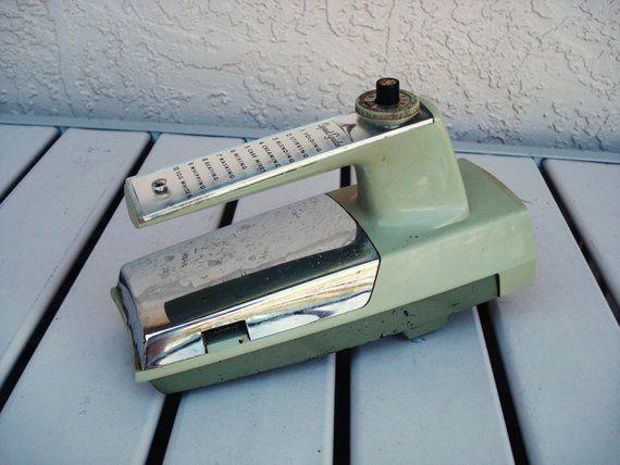 GE 10 Speed Electric Hand Mixer Model D3M68 Motor Beater