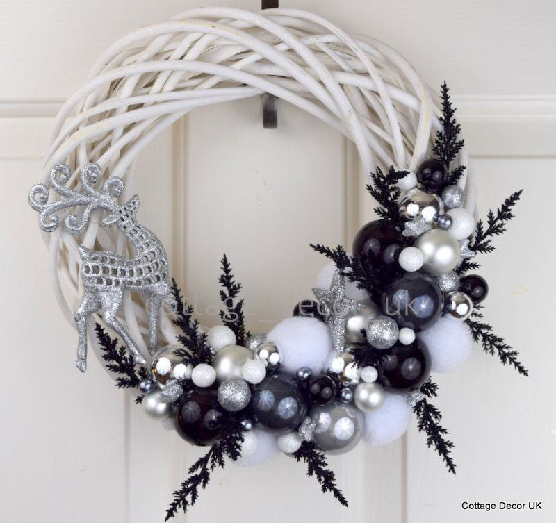 EXCLUSIVE XMAS CHRISTMAS WREATH BLACK WHITE SILVER HANDMADE in Home