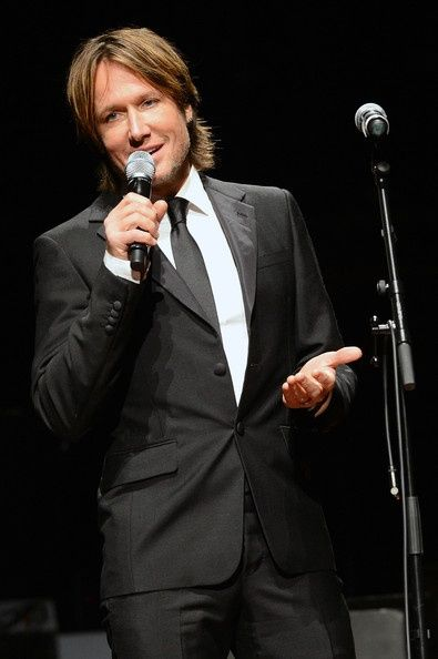 Keith in a tux, talking with his accent... All that needs to be said. ;)