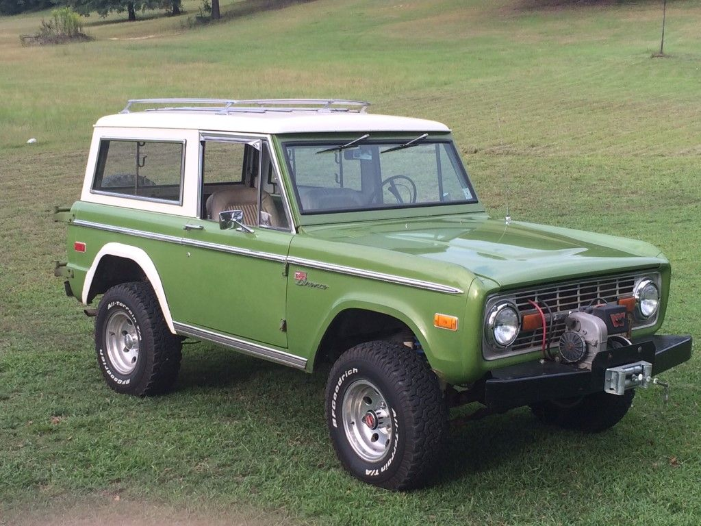 Love Early Broncos With This Green Shade Roof Racks