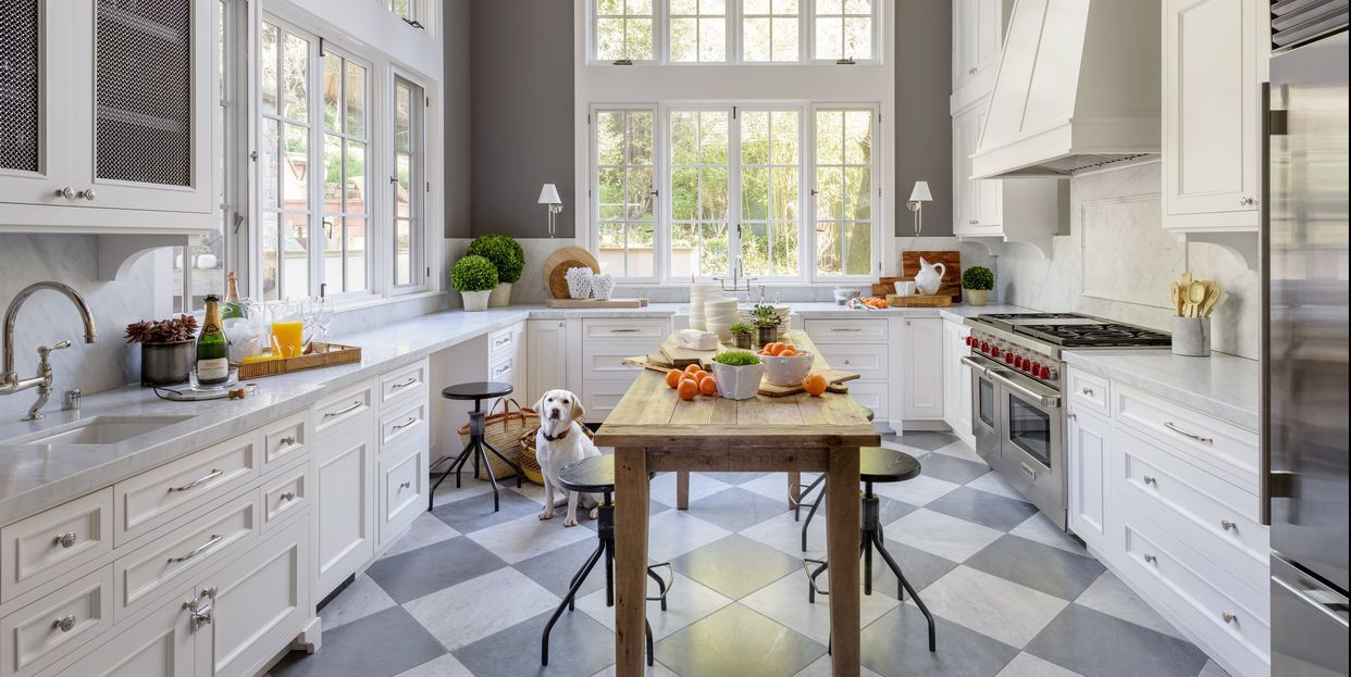 Here Are The Best Kitchen Paint Colors According To Top Designers Kitchen Design Interior Design Kitchen Kitchen Colors