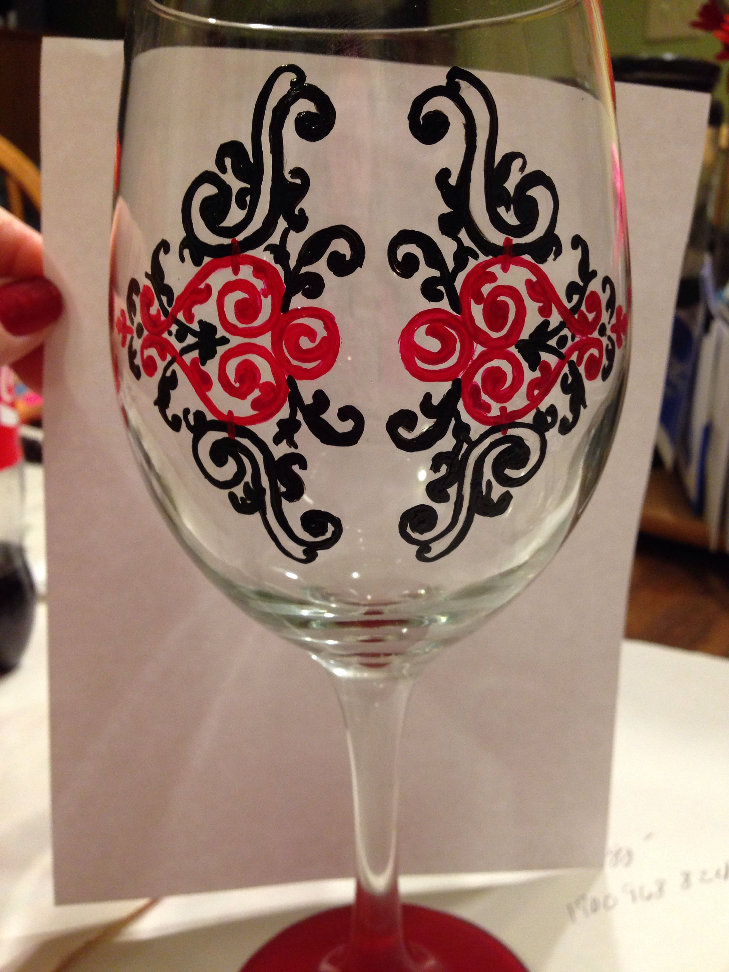 I Like The Color Contrast Hand Painted Wine Glasses Painted Glasses Glass Painting