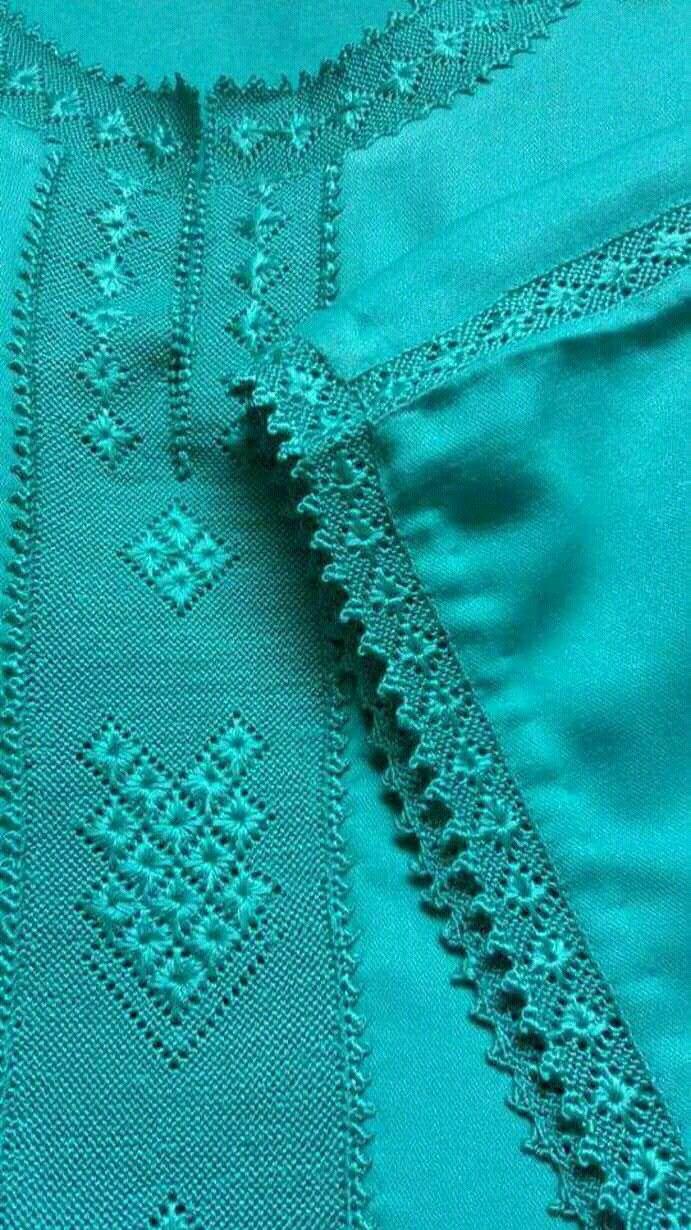 Pin By Ivana Hruskova On Randa Moroccan Caftan Kurta Neck Design Moroccan Dress
