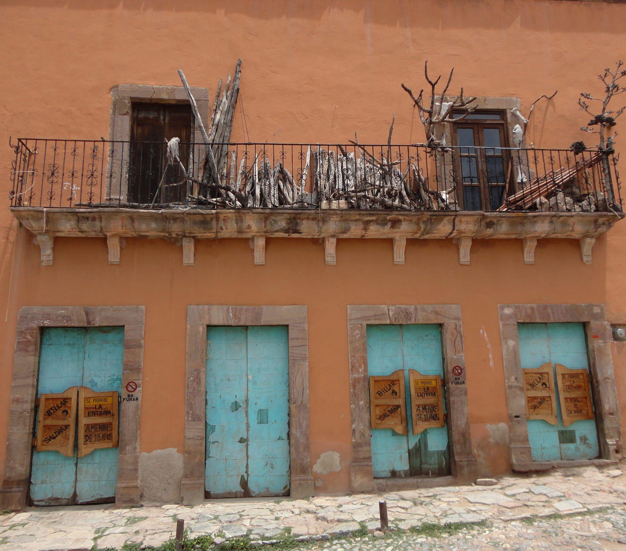 Este es el billar Saldaña, en Real de Catorce, San Luis Potosí.
