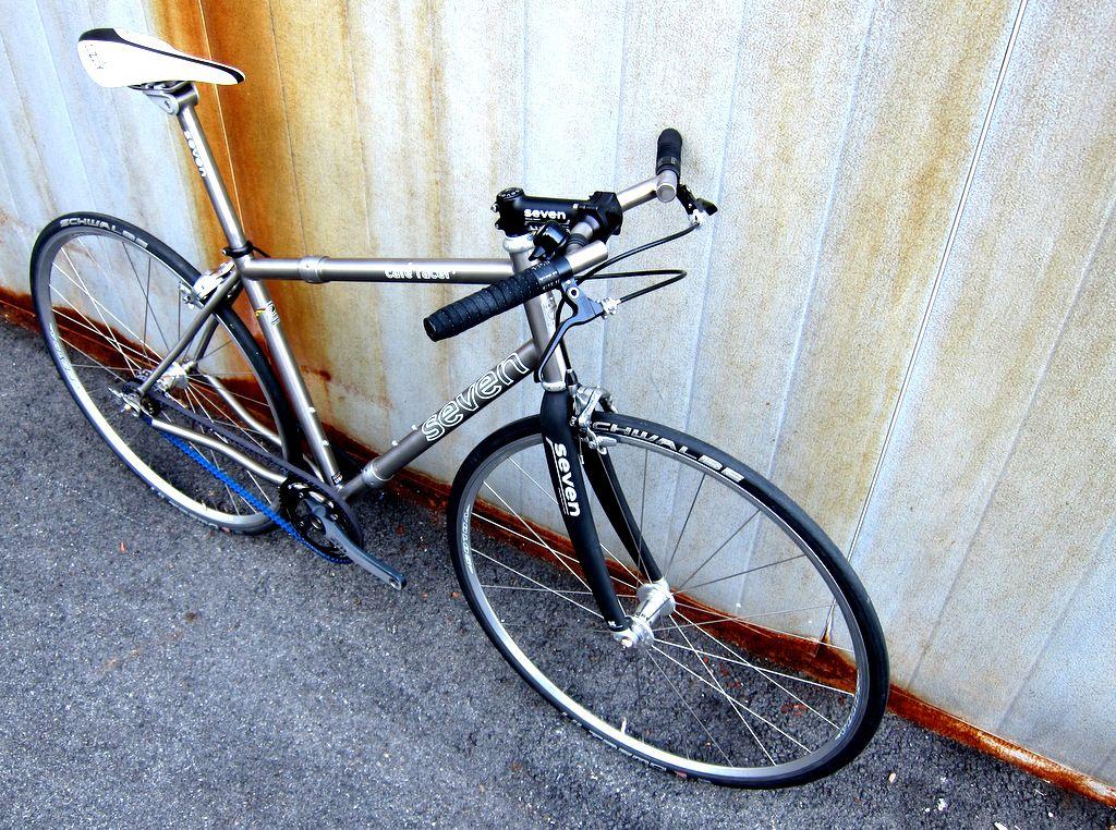 seven cycles cafe racer travel bike - photo - rob vandermark