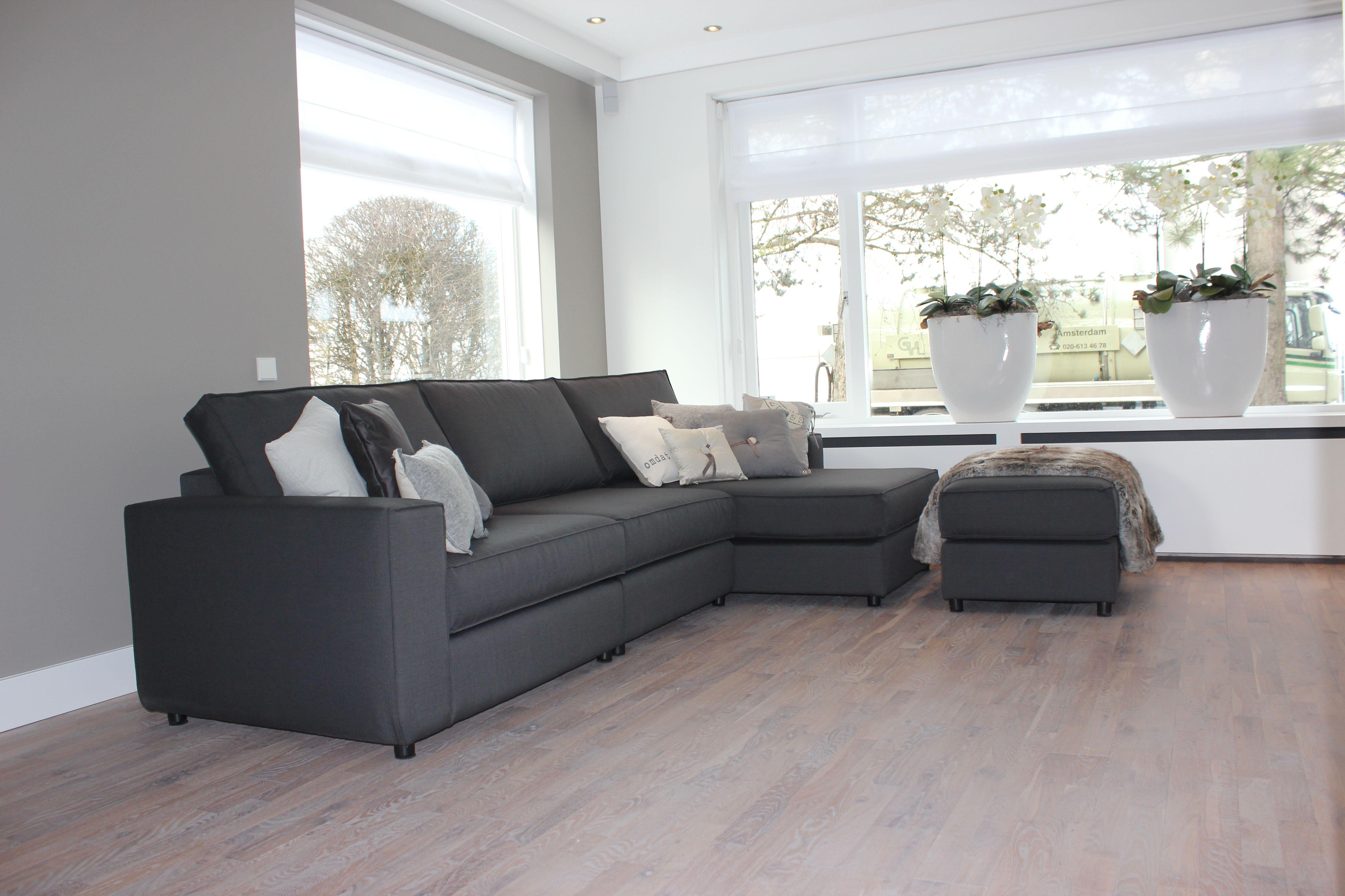 Bank met kussens gezellige woonkamer stijl met reeks van Gezellige woonkamer
