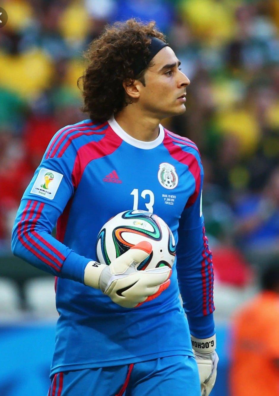 Ochoa Amazing Brave Mexico Goal Keeper Guillermo Ochoa Mexico Soccer Mexico Team