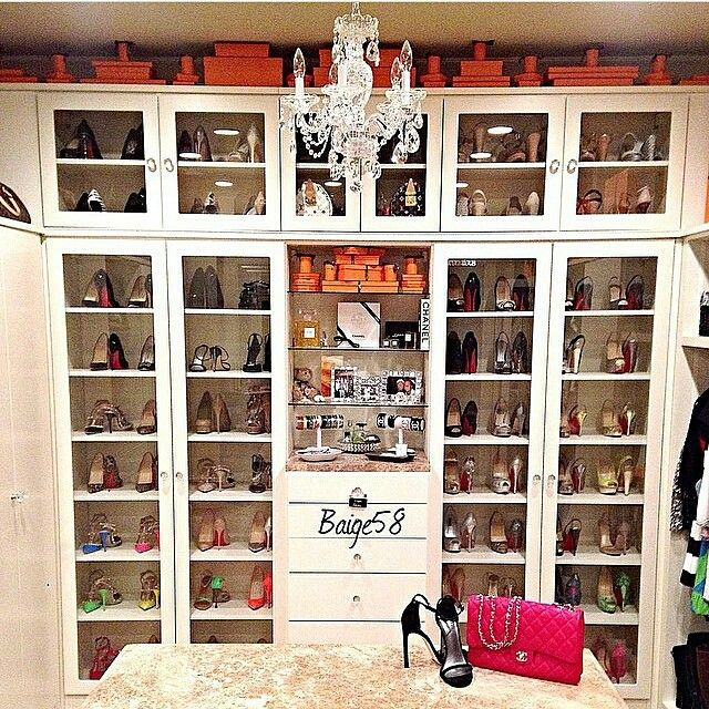 """""""I believe lots of you (women) will love this walk in closet"""""""
