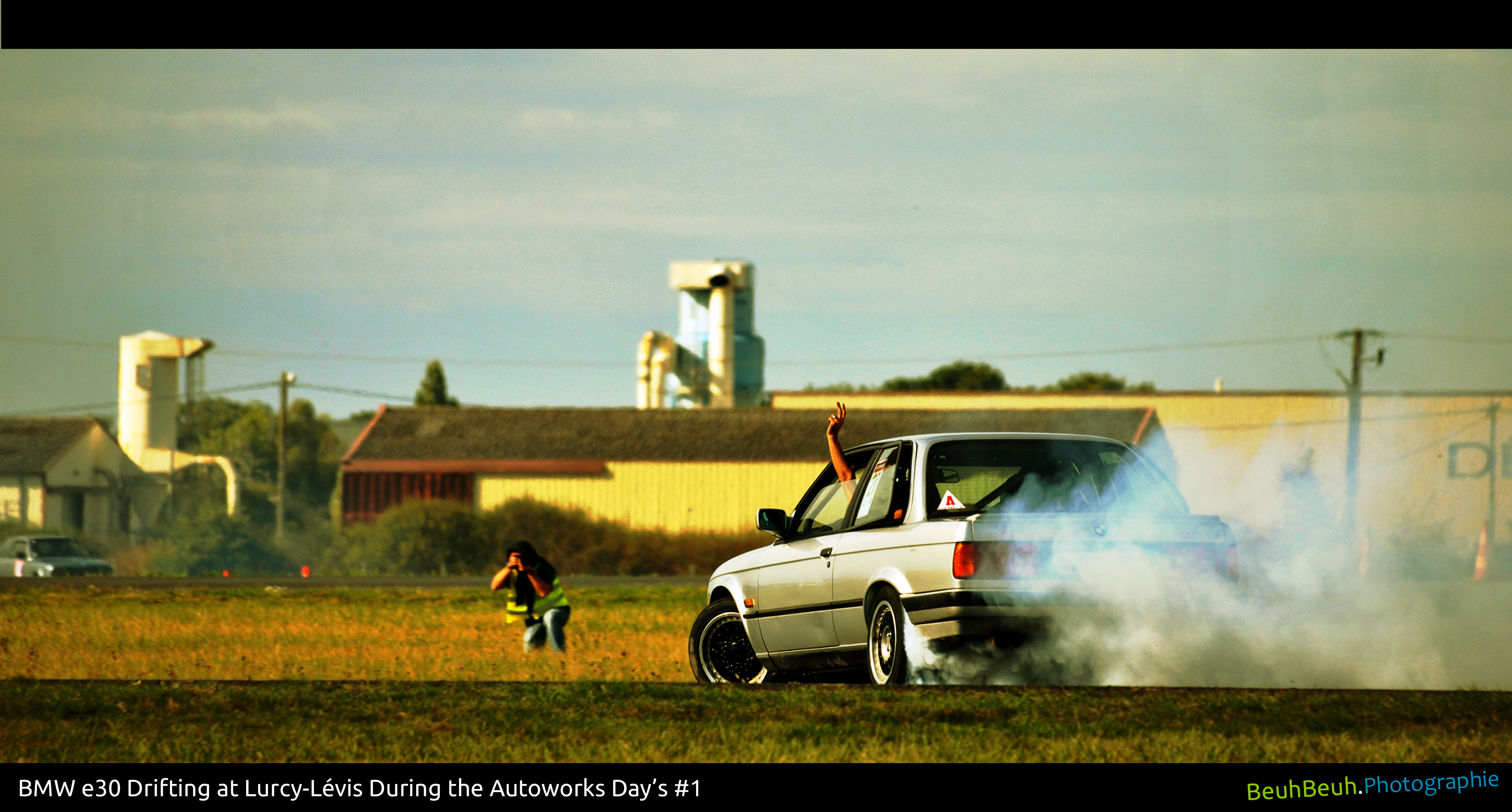 BMW E30 drifting at Lurcy-Lévis (France)