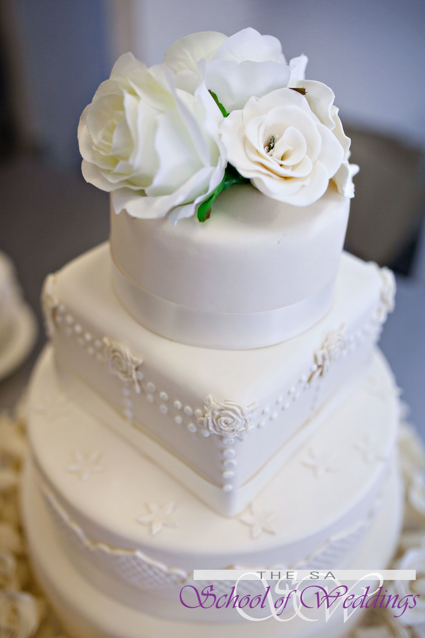 Classic White Wedding Cake www.saschoolofweddings.co.za | Wedding ...